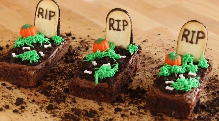 Comment fabriquer une pierre tombale pour Halloween?